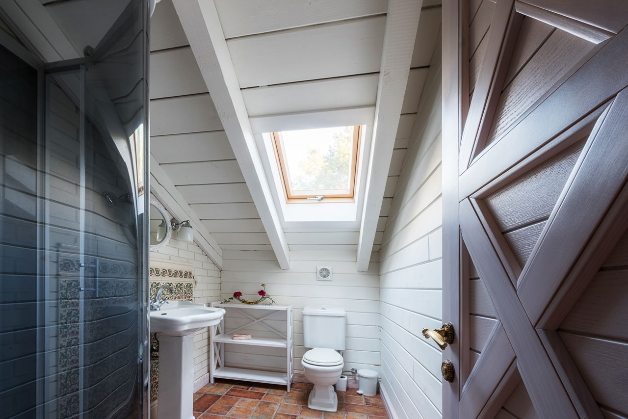 Unique clean bathroom design